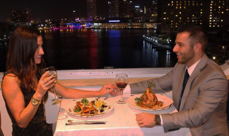 Dinner on a Yacht in Mumbai