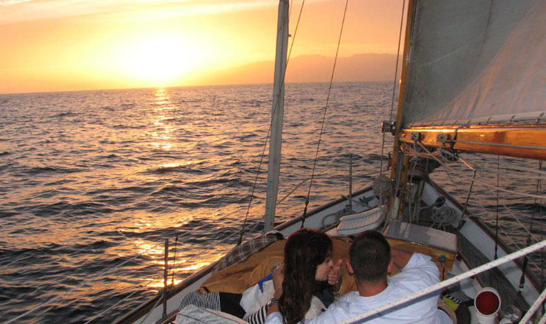 Sunset Sailing Tour in Mumbai